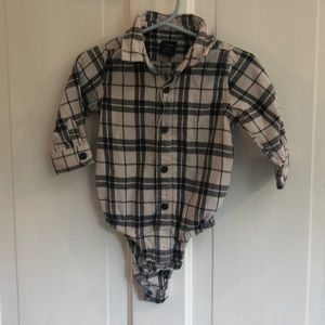 BABY GAP | Onesie Black/White Button Up - Sz6-12m